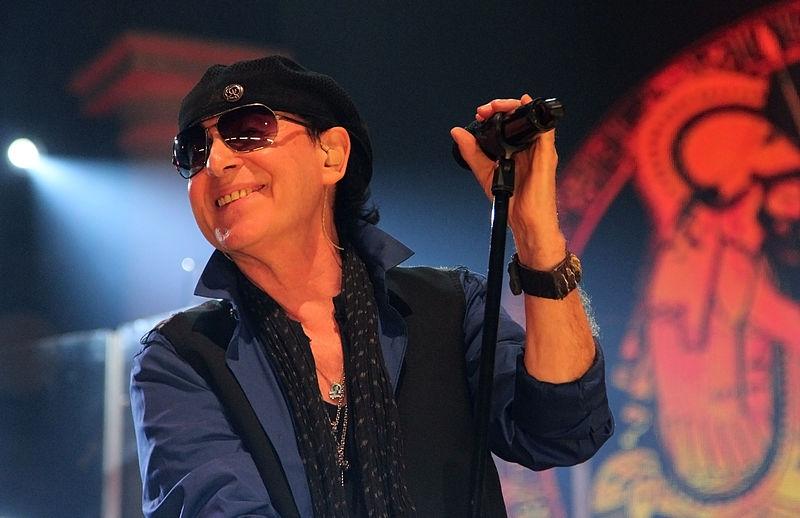 Группа Scorpions перед туром по РФ отменила гастроли вСША