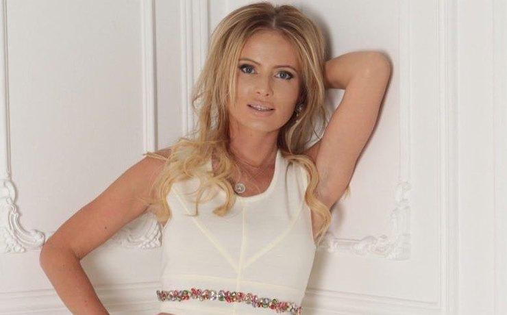 40-летняя Дана Борисова спустя 1,5 месяца после развода вновь выходит замуж