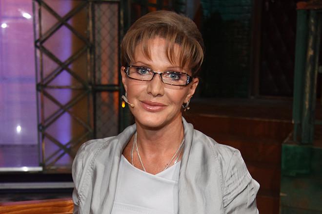 Елена Проклова попросила прощения у жен знаменитых актеров, с которыми она крутила романы