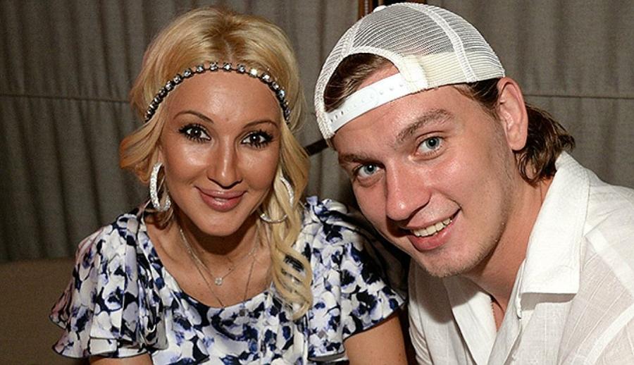 Лера Кудрявцева стяжелобольным супругом срочно вылетела вГерманию наоперацию