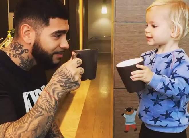 Тимати продемонстрировал первые татуировки дочери