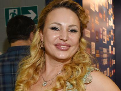 42-летняя Алла Довлатова беременна в4 раз