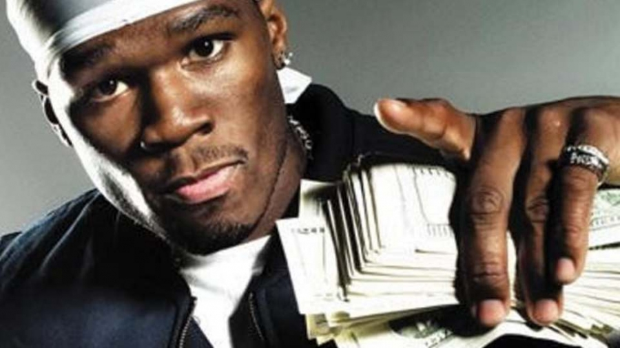 TMZ: 50 Cent наконцерте ударил агрессивную фанатку