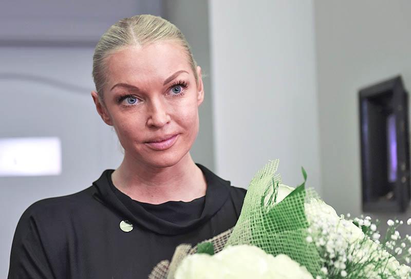 Известную балерину Волочкову подозревали вромане сактером Сергеем Астаховым
