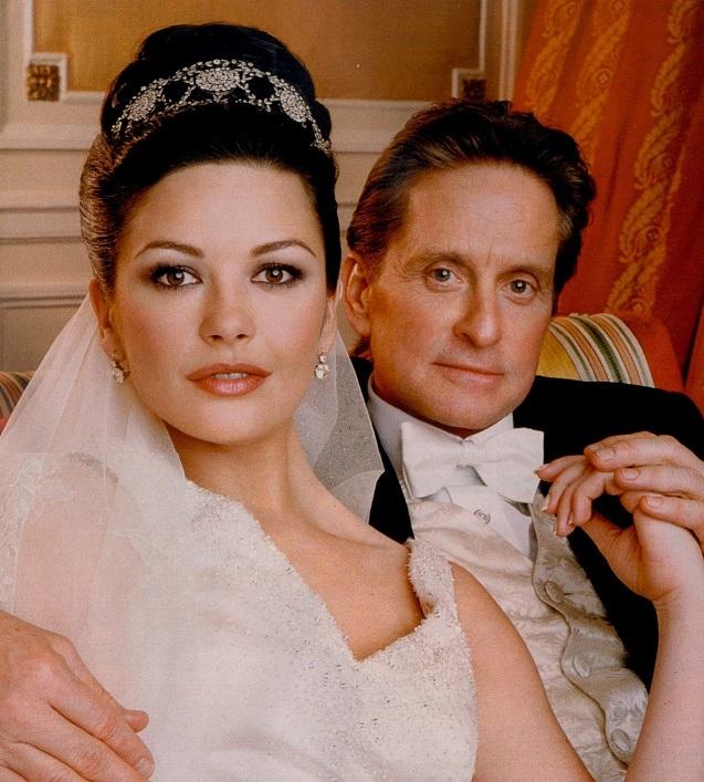 Майкл Дуглас и Кэтрин Зета-Джонс отметили стеклянную свадьбу