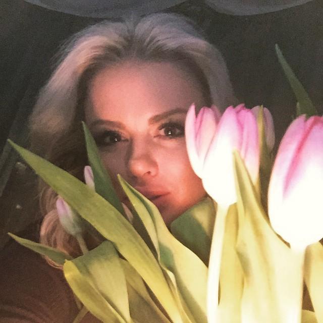 Анну Семенович сфотографировали в купальнике