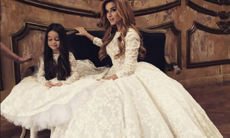 Дагестанские девушки в платьях