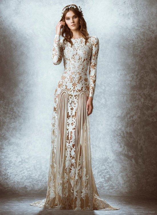 Для изготовления свадебных платьев его можно назвать поистине триумфальным. Тщательность проработки в мельчайших деталях, изобилие самых разных видов