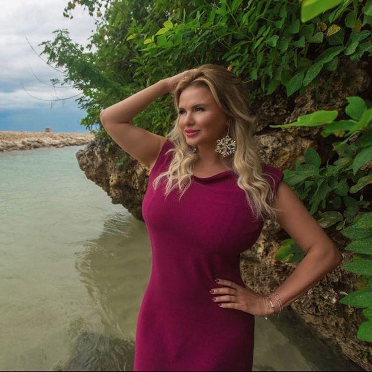 Анна Семенович изменила грудь после отдыха